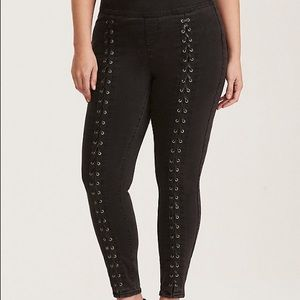 Torrid Lace Up Grey Wash Jeggings NWT xtall